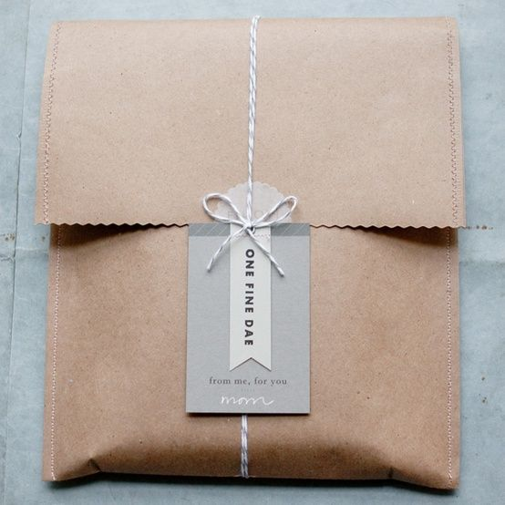 Bow & sticker packaging