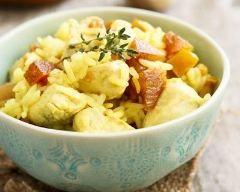 Salade de poulet au riz et pamplemousse : http://www.cuisineaz.com/recettes/salade-de-poulet-au-riz-et-pamplemousse-79499.aspx