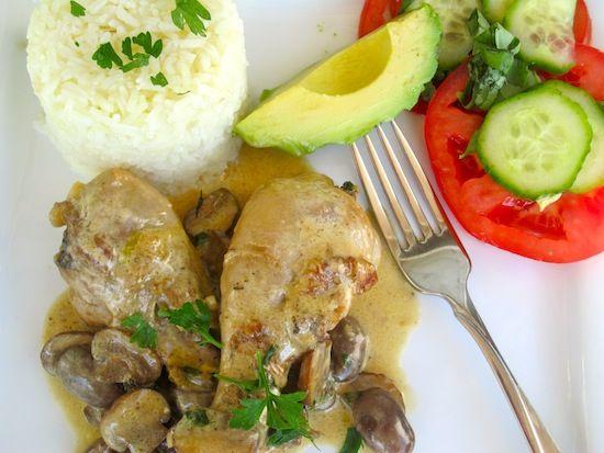 Chicken with Mushroom Sauce (Pollo con Salsa de Champiñones)