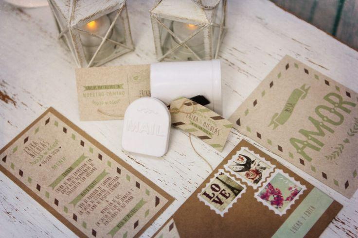 tarjeta de matrimonio postal, marcador de  puesto y de mesa, menú y recordatorio para los amantes a los viajes