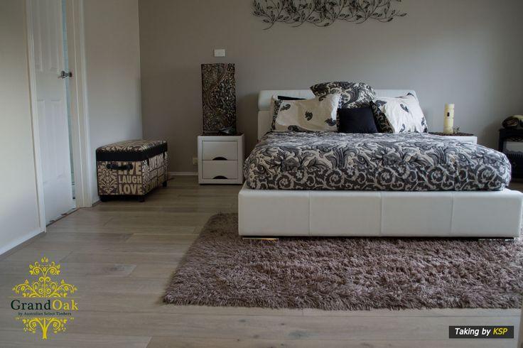 Grand Oak Timber Flooring: Gunsynd Oak Bedroom