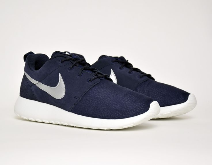 #Nike Roshe Run Suede Navy #sneakers
