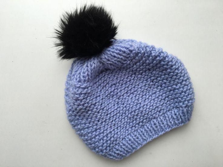 Шапочка с пумпоном спицами. Children's hat.