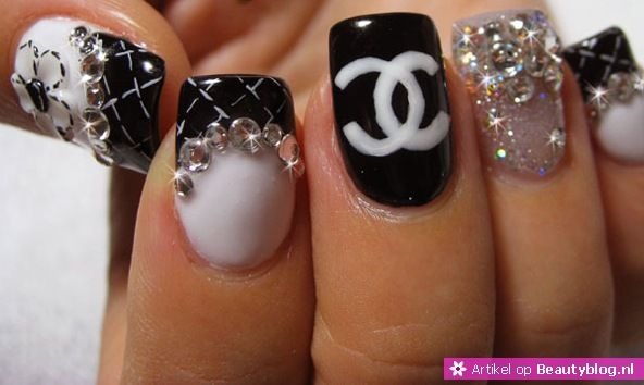 Hot of Not Chanel nail art