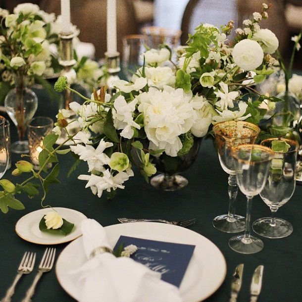 Nouveau Romantics At a wedding in McDade, Texas, the scheme was white, crisp, and clean, with lush and romantic blooms overflowing across the dinner tables: the Nouveau Romantics team's favorite way to soften even the most rustic of spaces