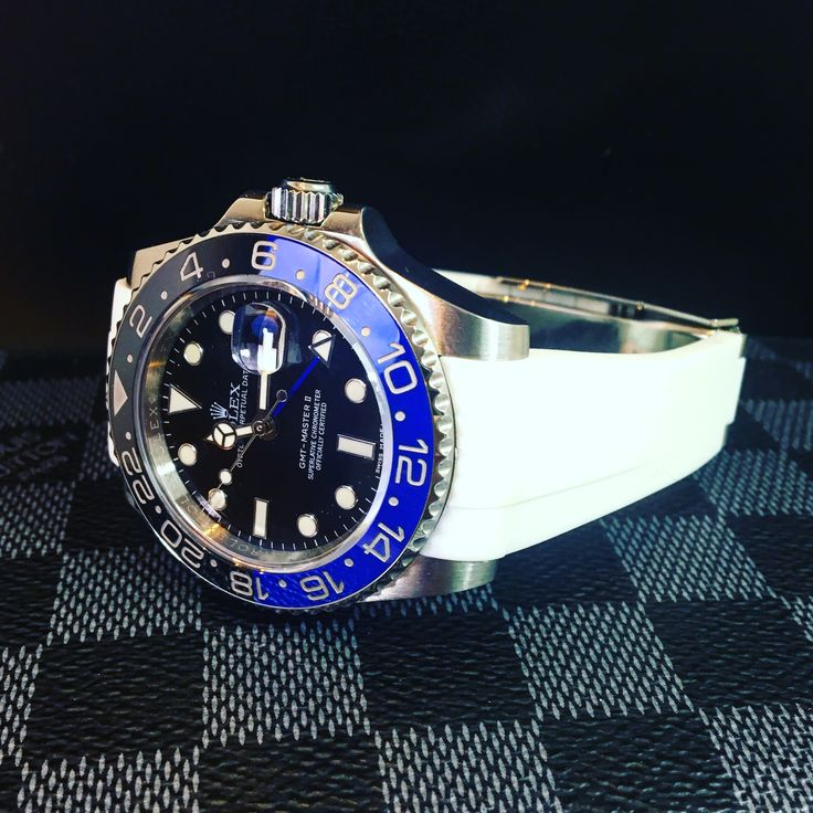 Rolex GMT Batman with our rubber Krono straps from #kronostraps