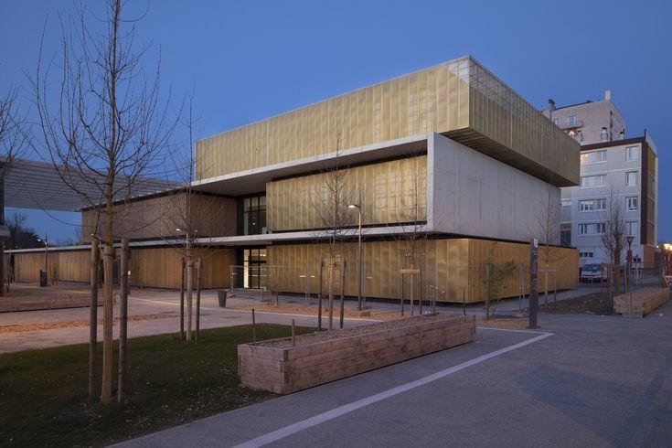 School, Educative & Cultural Center / Marjan Hessamfar & Joe Vérons Architectes
