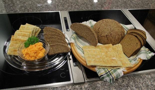 Hämäläiset juhlaleivät | Maa- ja kotitalousnaiset