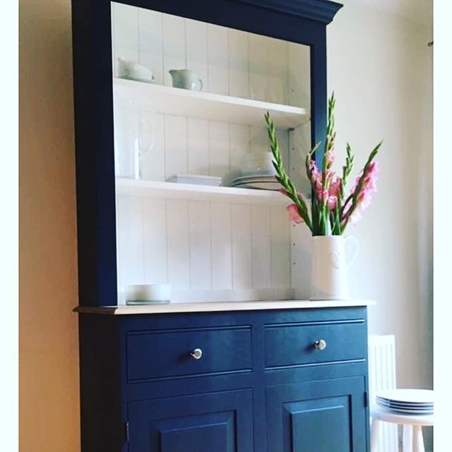 Thank goodness it's Friday. Anyone spotted any awesome Black Friday deals for the home? My project for the weekend is to paint our Welsh dresser      #decor #homedecor #interior #house #decoration #homesweethome #homedesign #interiors #instahome #furniture #realestate #kitchen #instadecor #modern #casa #homestyle #myhome #livingroom #bedroom #arquitetura #designer #interiores #instadesign #interior123 #interiordecor #interiorstyling #deco #interior4all #realtor #living - Architecture and…