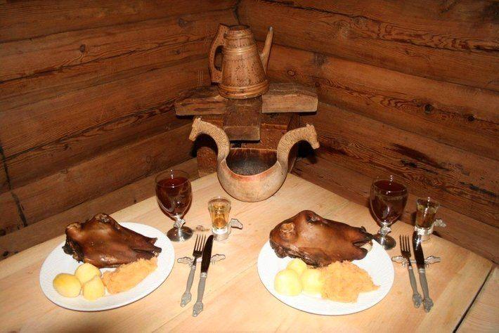 Flere av de norske tradisjonsrettene kan med rette kalles mat for tøffinger. Smalahove, syltelabber, mølje eller smalaføter er normal kost for mange, men for andre er dette både sært og skremmende.