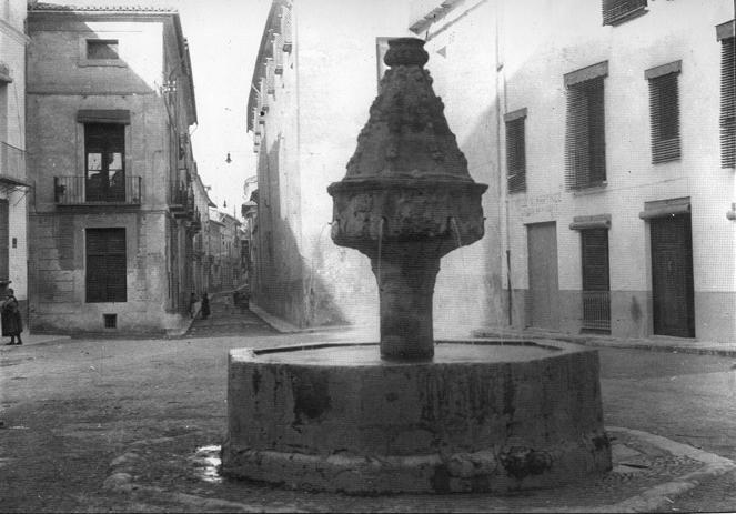 Font de la Trinitat (plaça del Cid)