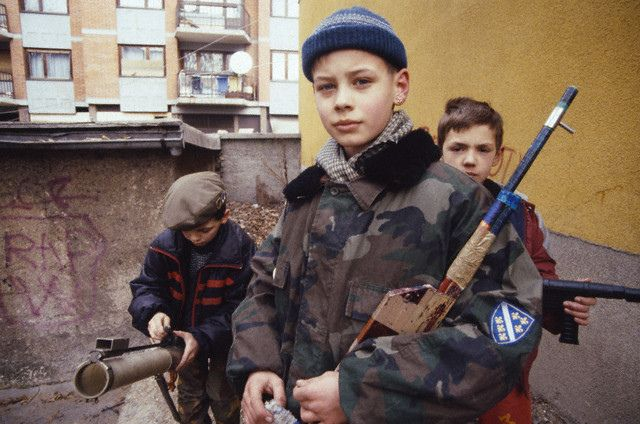 Bosnian kids playing during the war (Sarajevo, 1993) By Patrick Chauvel