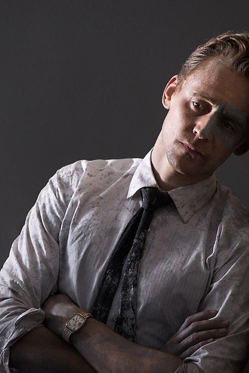 Tom Hiddleston as Dr Laing in High-Rise. Full size image [UHQ]: http://i.imgbox.com/RYG8FHrh.jpg Source: http://www.thejokersfilms.com/films/high-rise/ Via Torrilla, Weibo