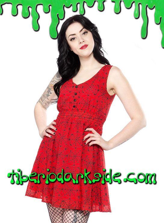 Vestido de chifon rojo estampado de telarañas, sin mangas, con escote de pico, botones y fruncido bajo el pecho. Material: 100% polyester. Marca: Sourpuss.  COLOR: ROJO TALLAS: S, M, L, XL, XXL, 3XL  S - 82 cm pecho (EU talla 36, MEX talla 26, UK talla 8) M - 88 cm pecho (EU talla 38, MEX talla 28, UK talla 10) L - 94 cm pecho (EU talla 40, MEX talla 30, UK talla 12) XL - 100 cm pecho (EU talla 42, MEX talla 32, UK talla 14) XXL - 106 cm pecho (EU talla 44, MEX talla 34, UK talla 16) 3XL…