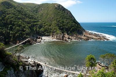 Google Image Result for http://medias.photodeck.com/2e97d04a-3085-11e0-8137-837320f9947d/South%2520Africa-1010-1012_medium.jpg