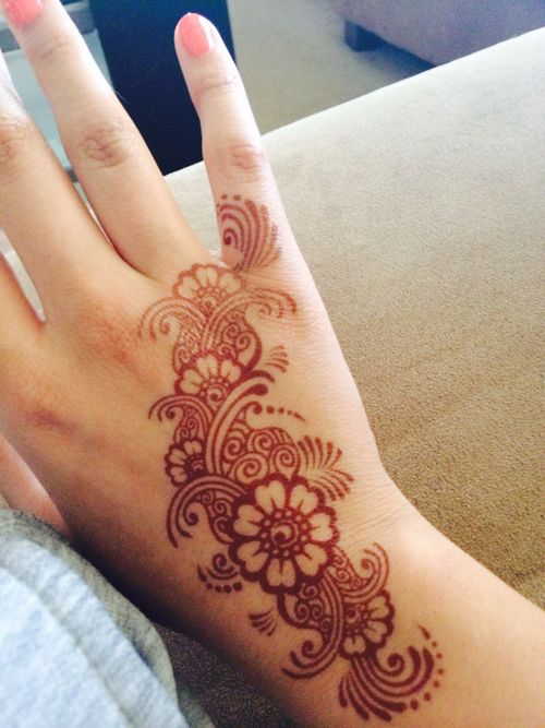 Henna strip, simplicity is just as beautiful!