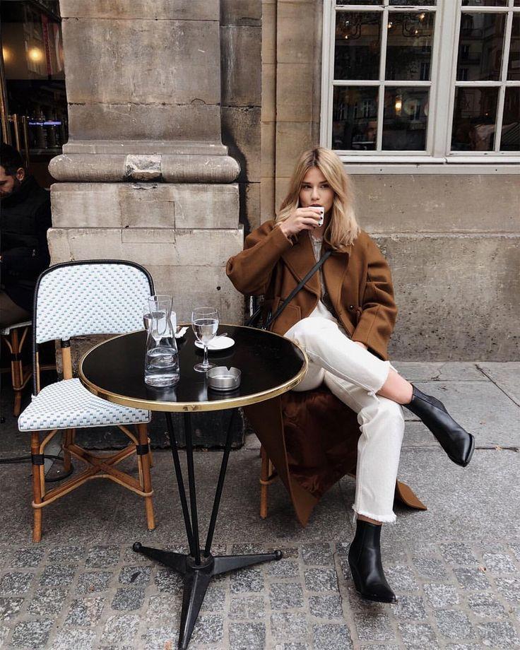 Ich wünschte, ich wäre in Paris, trinke meinen Kaffee und wartete auf ein Toastie