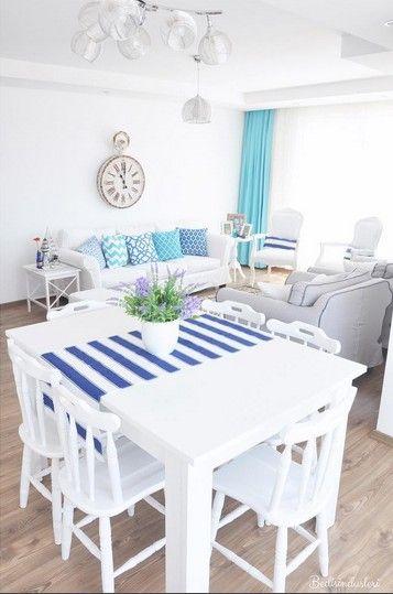 Bu pastel oturma odasından sonra kim der ki, aynı evin salonu bu kadar hoş bir sahil stili döşenecek..