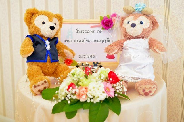 結婚式場写真「受付飾りはウェルカムボードやウェルカムドール、お二人のアルバムにチェキのコーナーを作ったりと、お二人色を出すことができる空間」 【みんなのウェディング】
