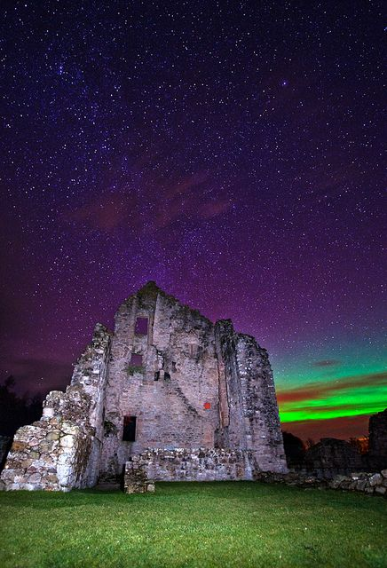 We've been seeing some fab Northern Lights photos over the past few days - here they are over Kildrummy Castle, taken by Kenny Muir. #Scotland #photography