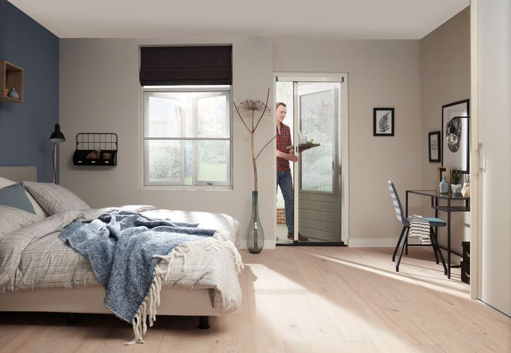 Slaap je liever met een raam open maar heb je een hekel aan de muggen die je dan s'nachts komen opzoeken? Dan is een hor in de slaapkamer een goede oplossing :)