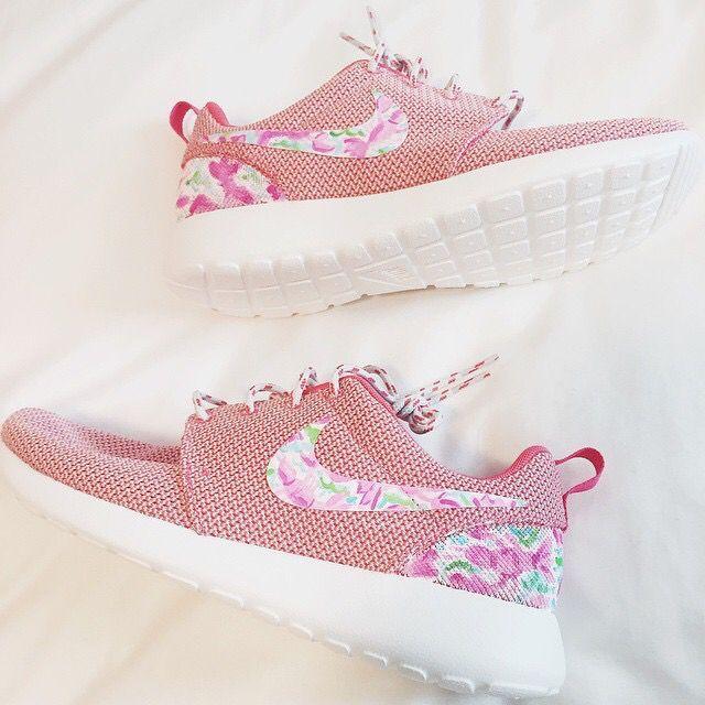 Lilly pulitzer Nike roshe