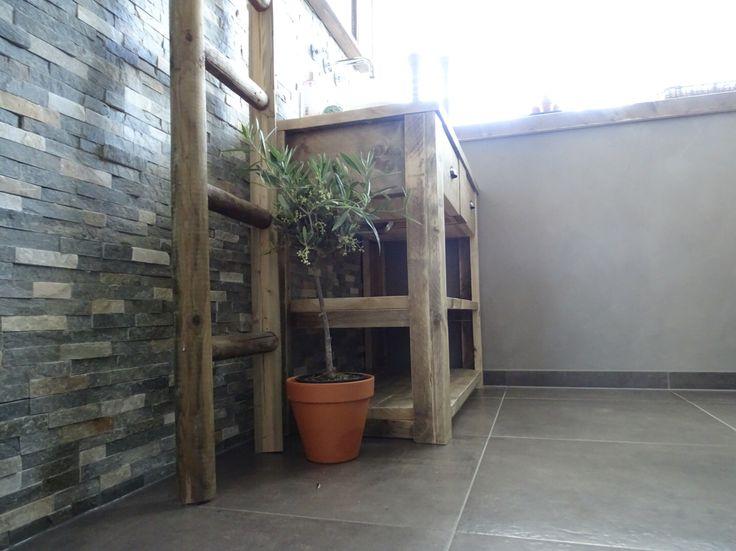 #badkamer #betonstuc #steigerhout #olijfboompje
