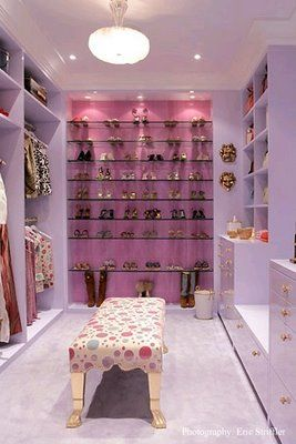 Must love purple/lilac/pink,... would be a girl/teenager's dream closet. Notice the lighting on the shoes