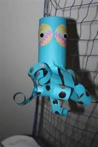 This would be a cool octopus craft for boys attending mermaid themed party.