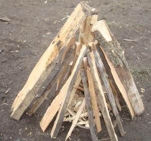 10  different ways to build a campfire