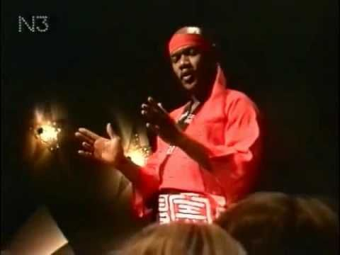 ▶ Carl Douglas - Kung Fu Fighting - YouTube (1974, but it was still popular in '75)