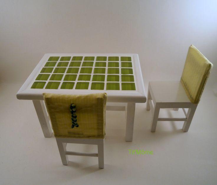 Les 59 meilleures images propos de meubles pour poup e barbie sur pinterest assaisonnement for Quelle chaise pour table en verre