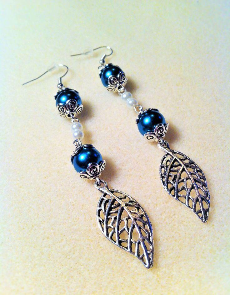 """Boucles d'oreilles """"Les feuilles bleues"""" : Boucles d'oreille par les-breloques-de-bel"""