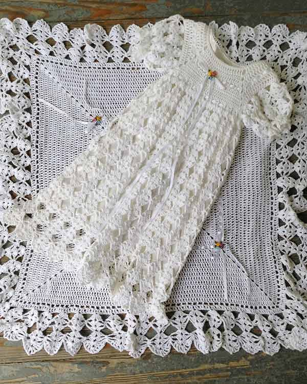 Crochet Pattern For Christening Gown : 1160 best images about Crochet baby/ little girl Dresses ...
