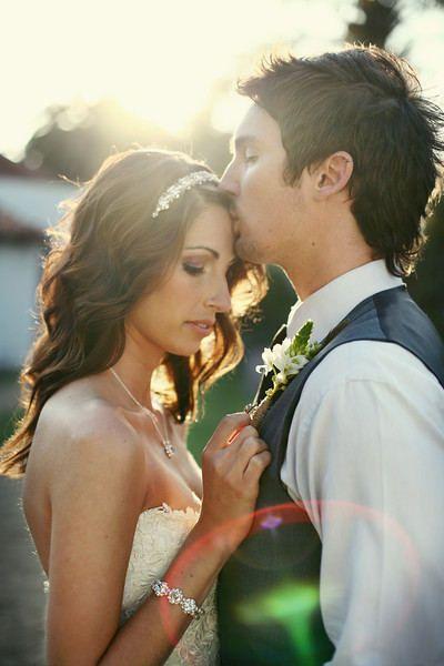 awww #wedding #kisses