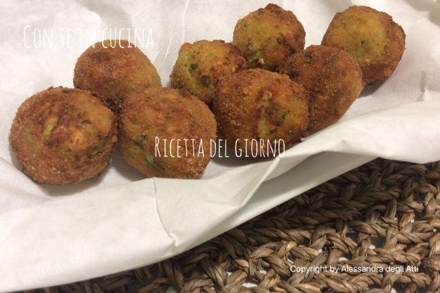 Con Te in Cucina: POLPETTE DI ZUCCHINE E RICOTTA CON CURCUMA