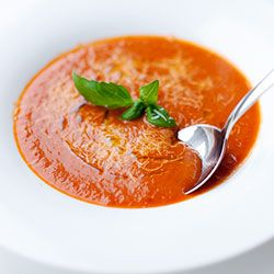 Zupa krem pomidorowa z selerem naciowym | Kwestia Smaku