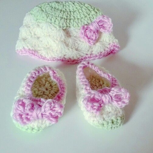 Crochet hat and booties gift set