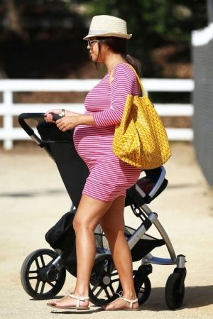 In the future when I'm pregnant I wanna look as fab as Kourtney
