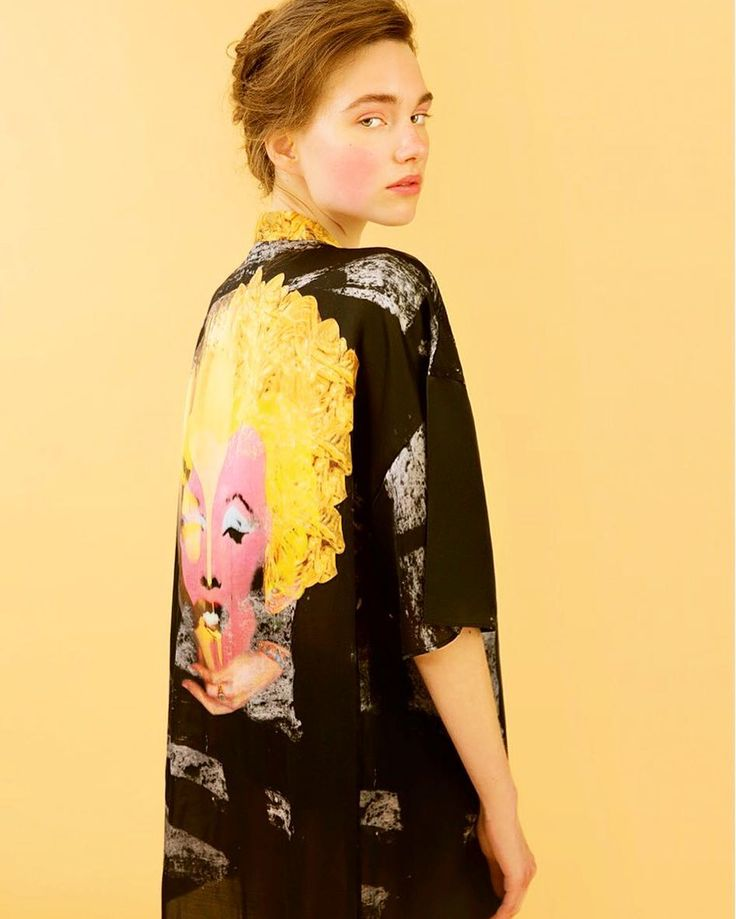 'Golden Marilyn' kimono a beyond praise imagery to Pop Art and femininity Available at stores and online #HERSE #wearableart #popart #silkkimono #marilynmonroe #limitededition #shoponline #eshop