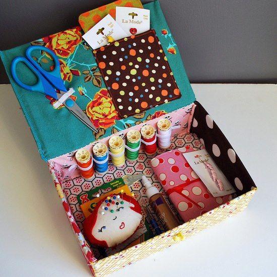 caixa de costura feita a partir de caixa de sapatos