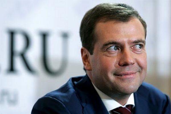 """Рубрика Общество: Цитаты Медведева: в Пскове премьер попросил """"не рассказывать о…"""