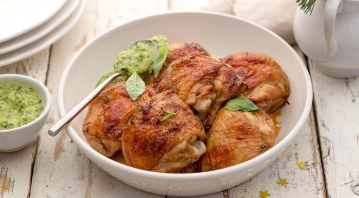 Куриные бедрышки с зеленой приправой