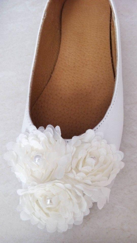 Handmade bridal shoes by elli lyraraki