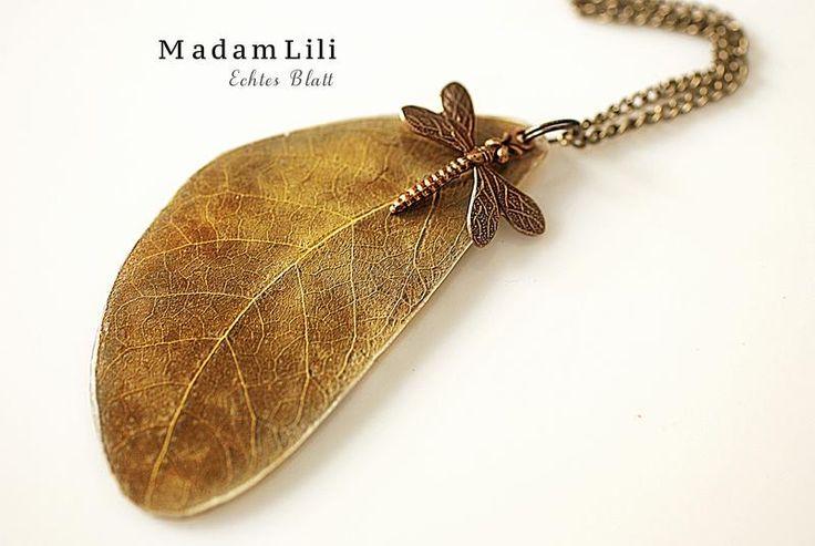 Echtes Blatt mit Libelle -  Bronze Kette von 18% RABATTCODE: SPAR18 auf DaWanda.com