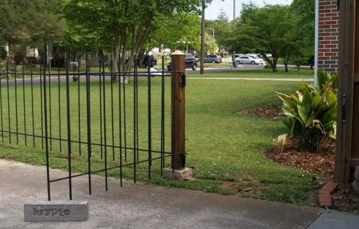 Build A Decorative Metal Rebar Fence For The Front Yard