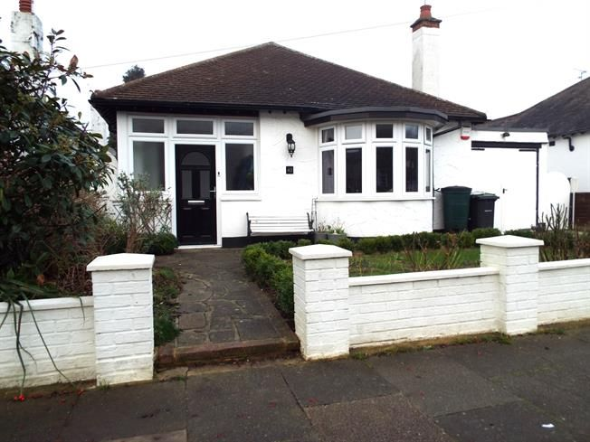 Bungalows For Sale In Leigh On Sea Part - 37: 3 Bedroom Detached Bungalow For Sale In Leigh-on-Sea For Guide Price £