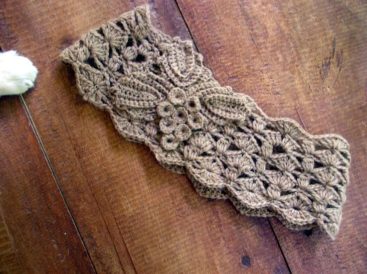 Free Crochet Pattern - beautiful hairband!