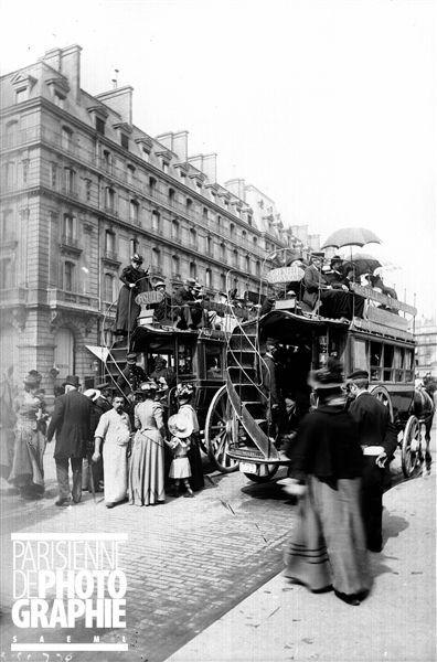 Paris. Omnibus à impériale Grenelle-Gare Saint-Lazare et Bastille-Place Wagram, vers 1900.