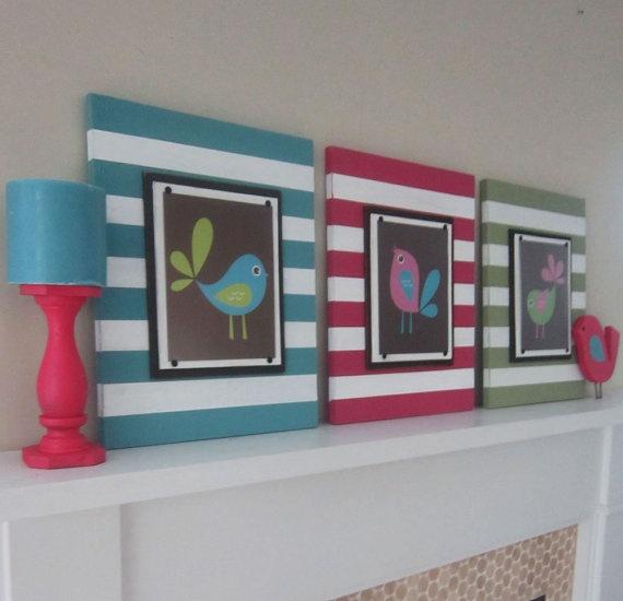 This would be a good idea for the shoppe wall -- black & white and red white & blue for this summer. Fun way to bring in a pop of color for a summer look. Striped frames